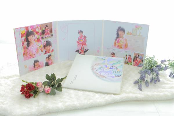 フォトスタジオkomachiの七五三アルバム デザイン台紙COMODO
